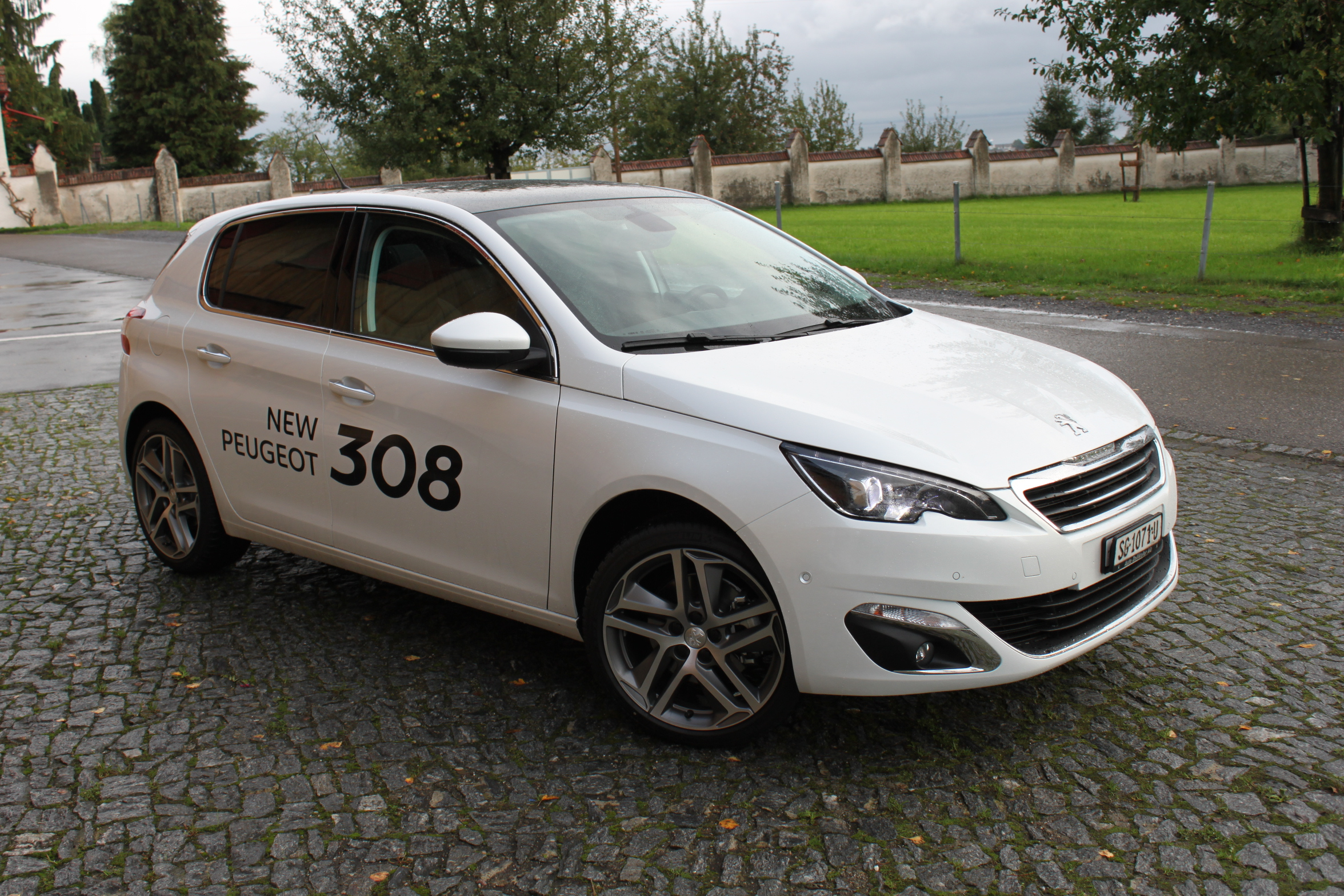 car of the year 2014 peugeot 308 autonews. Black Bedroom Furniture Sets. Home Design Ideas